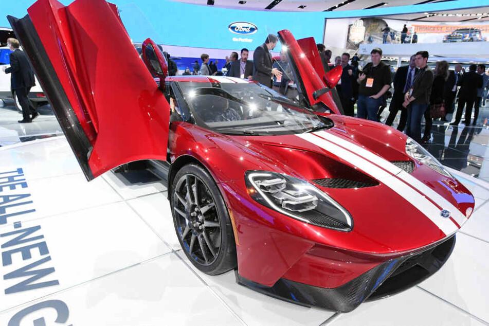 Der neue Ford GT wird jetzt auch in Deutschland ausgeliefert.