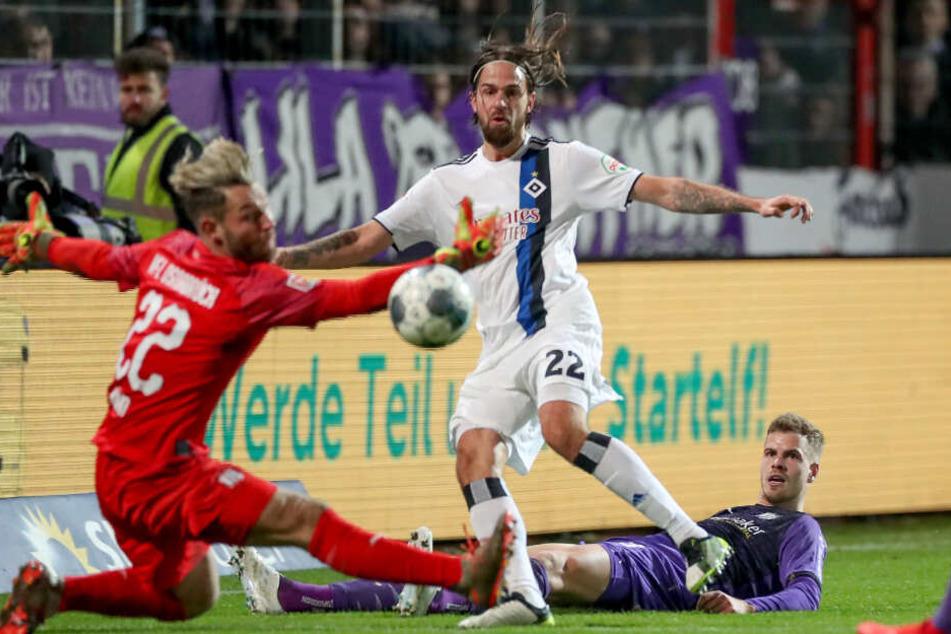 Martin Harnik versuchte es gegen Osnabrück, doch der Ball ging daneben.