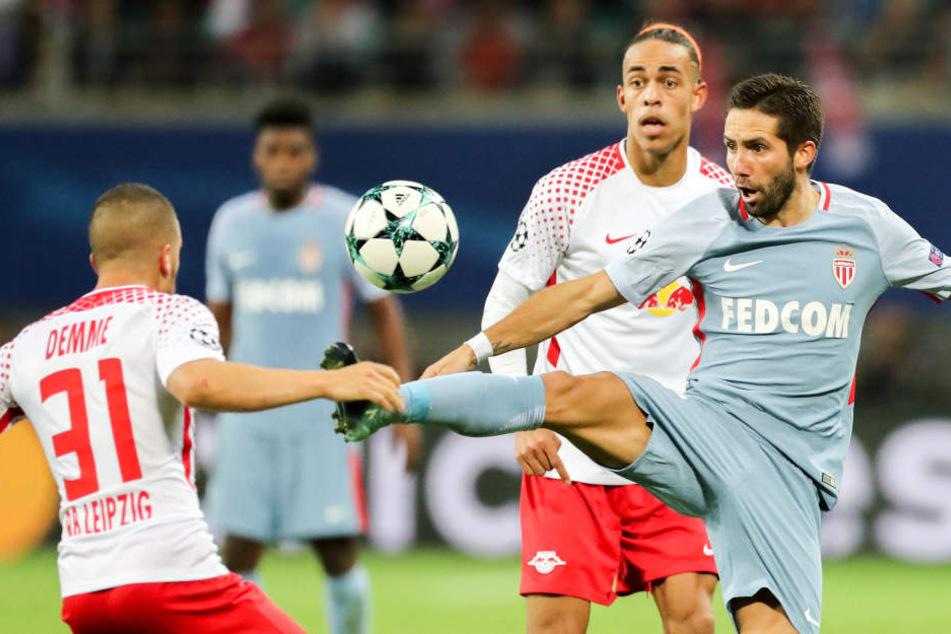 RB hielt gegen den Vorjahres-Halbfinalisten AS Monaco um Joao Moutinho (r.) stark mit, erkämpfte sich ein 1:1 zum Auftakt.