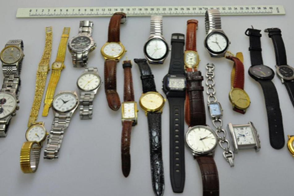 Ein Teil der Beute waren auch Uhren, die nun an die Besitzer zurückkehren können.