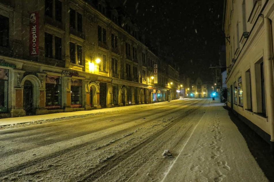 In Aue schneite es in der Nacht zu Mittwoch richtig kräftig.