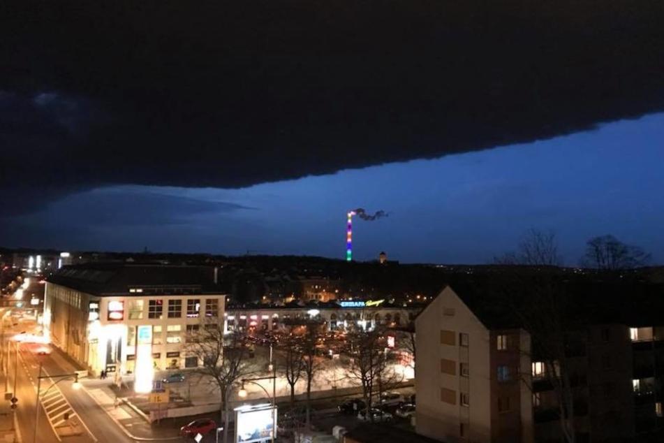 Auch über Chemnitz zog eine eindrucksvolle Gewitterfront auf.