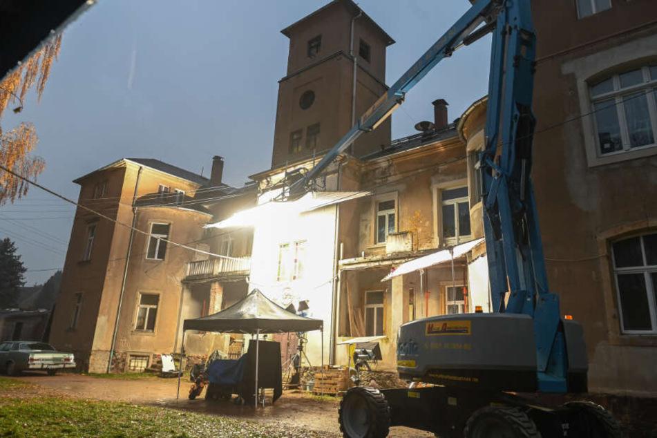 "Bis zum 12. Dezember wird der zehnte Dresden-""Tatort"" im morbiden Schloss Pinnewitz gedreht."