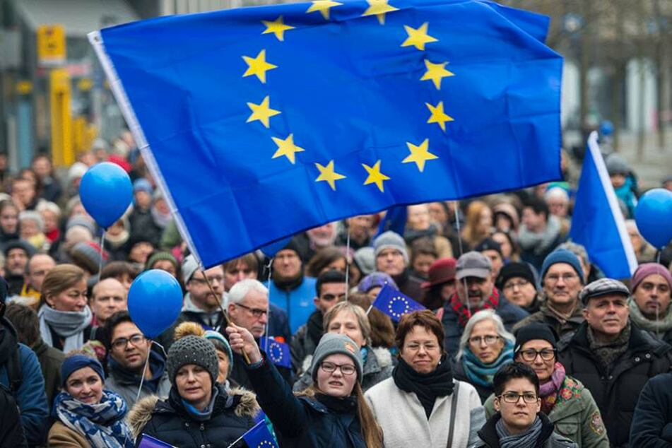 Tausende bei Pro-Europa-Demo in Berlin