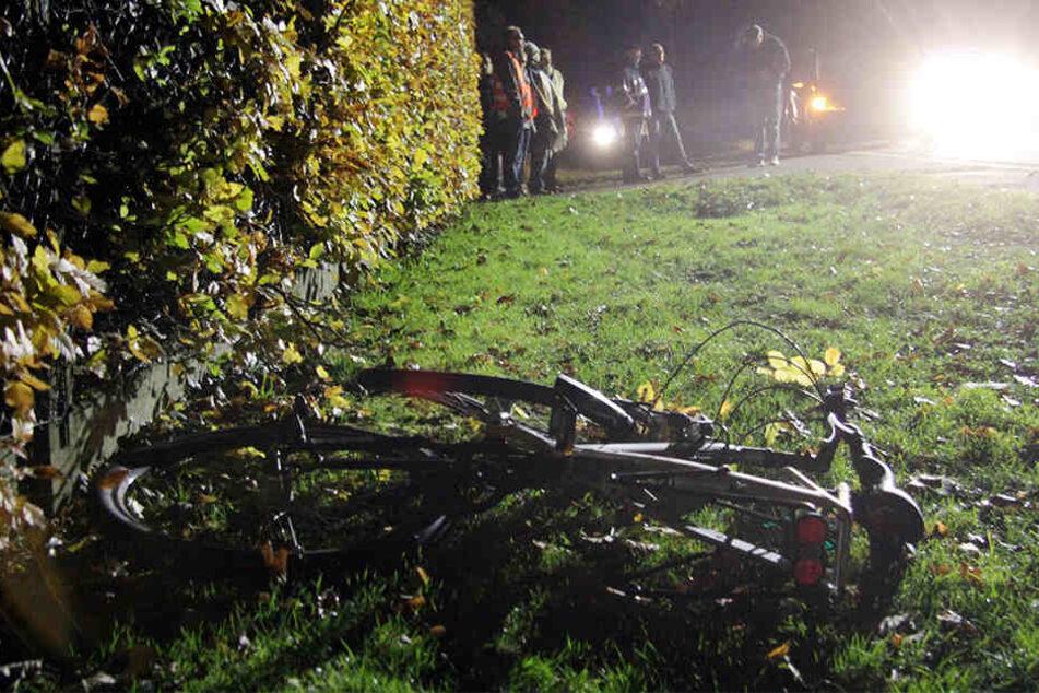 Mit diesem Fahrrad war der Mann unterwegs, der noch am Unfallort verstorben ist.