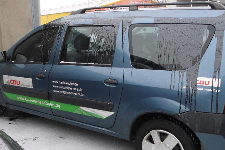 CDU-Autos mit Teer überkippt! Waren es Reichsbürger?