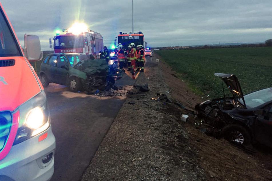 Bei dem schweren Unfall auf der L2141 wurden vier Menschen zum Teil schwer verletzt.