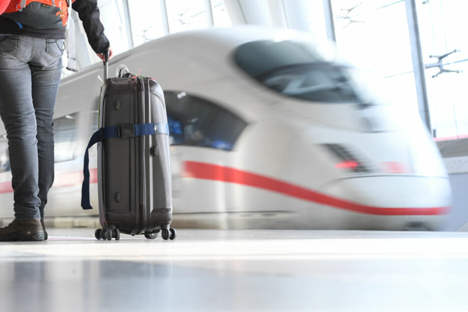 Berlin: Miese Masche eines Suff-Schwarzfahrers löst ICE-Verspätung aus