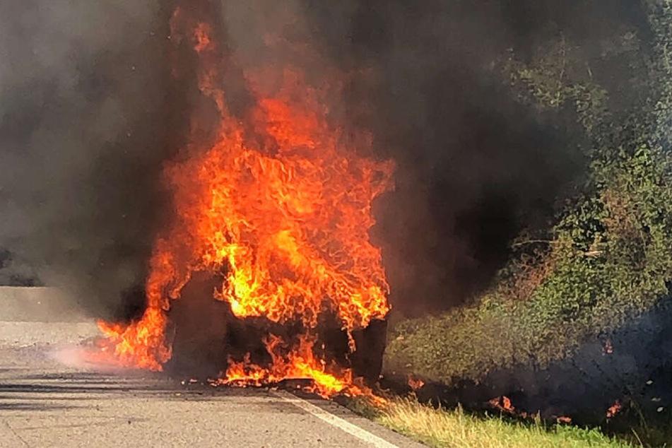 Der BMW stand in Flammen.