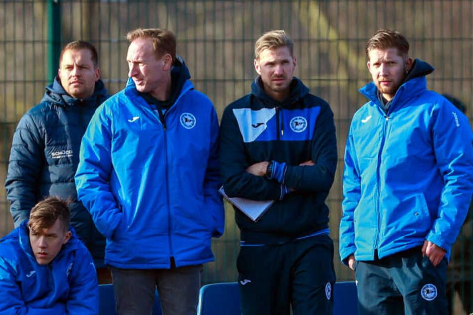 Oliver Kirch (2. v. r.) verstärkt das Trainerteam der U23 seit Anfang März.