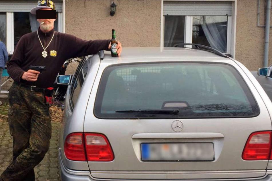 Mit diesem Foto suchte die Polizei nach dem 2-Meter-Hünen.