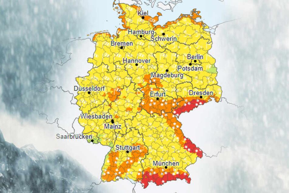 Die Karte des Deutschen Wetterdienstes zeigt, dass deutschlandweit vor Schnee und Sturm gewarnt wird.