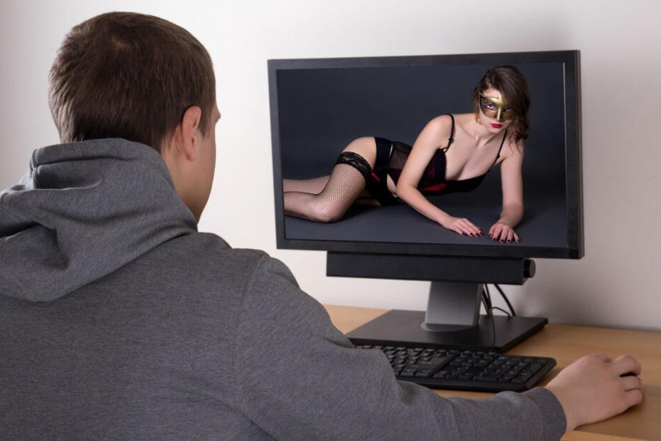 Die Polizei warnt vor fiesen Onlinedating-Erpressungs-Methoden. (Symbolbild)