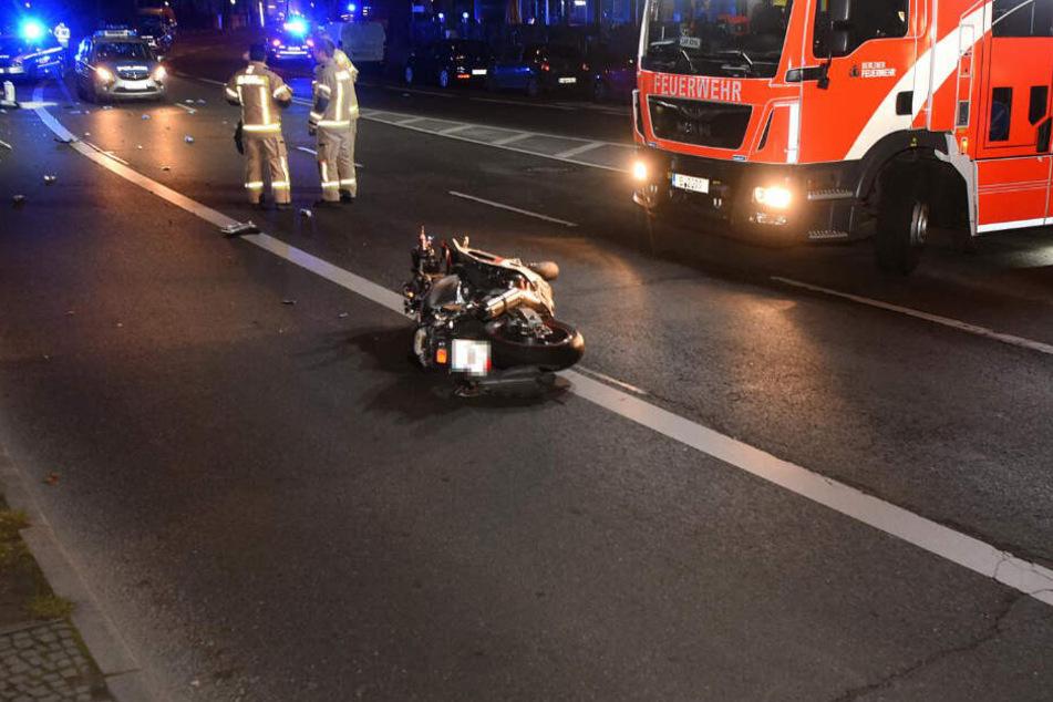 Ohne Lappen unterwegs: Flucht vor Polizei endet für Biker tödlich