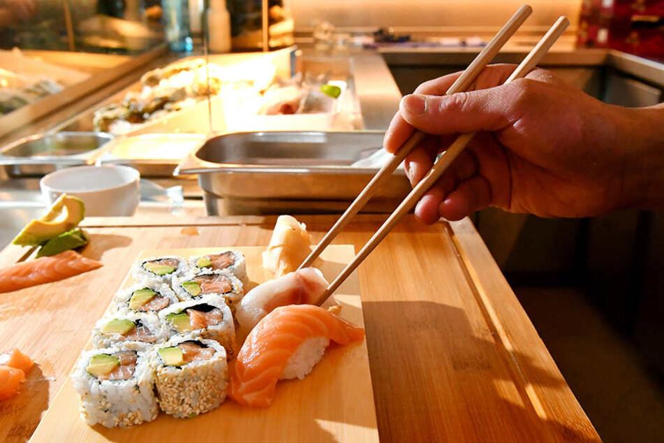 Sushi-Meister Taka verblüfft den Gaumen mit ungewöhnlichen Kreationen.