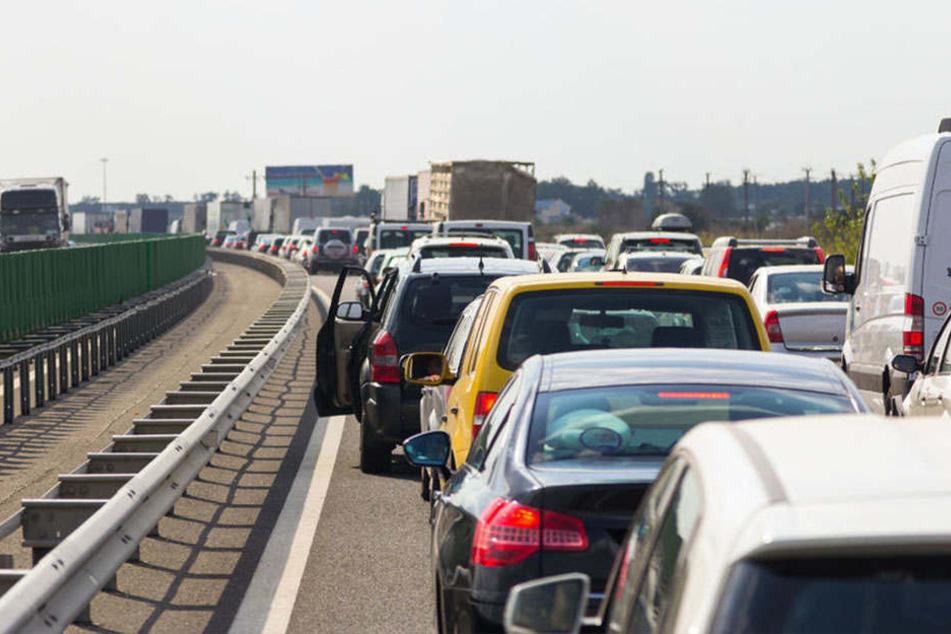 Insgesamt fünf Kilometer Stau waren es auf der A2 Richtung Hannover. (Symbolbild)