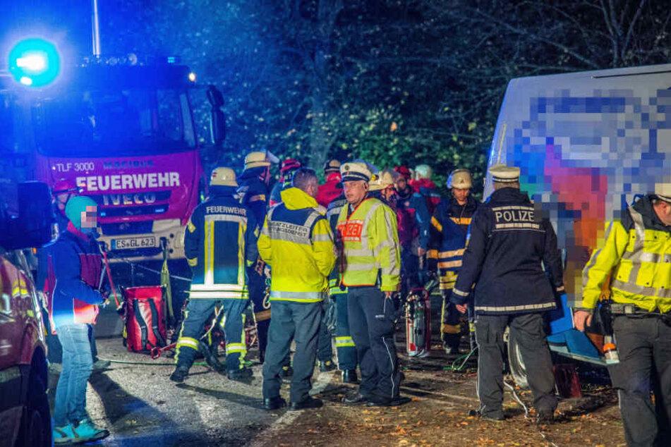 Zahlreiche Kräfte von Feuerwehr und Polizei waren vor Ort.