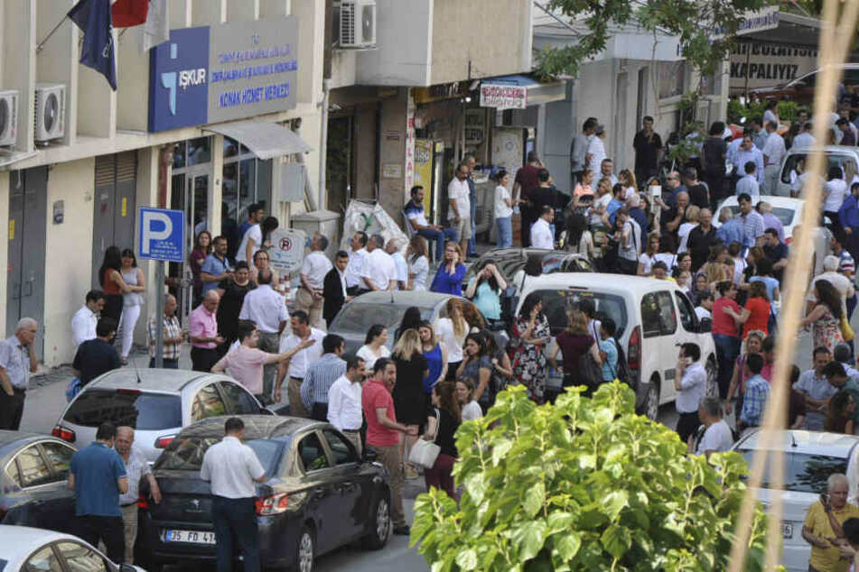 Starkes Erdbeben reißt Bewohner aus dem Schlaf