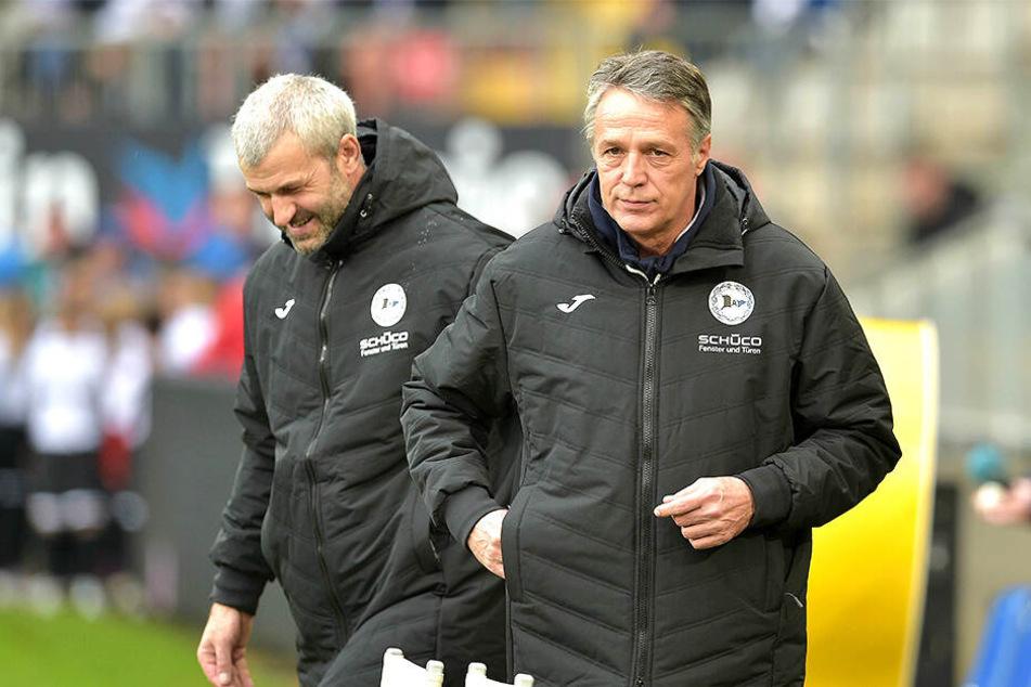 Uwe Neuhaus (r.) und Peter Németh sind jetzt für die sportlichen Geschicke der Arminia verantwortlich.