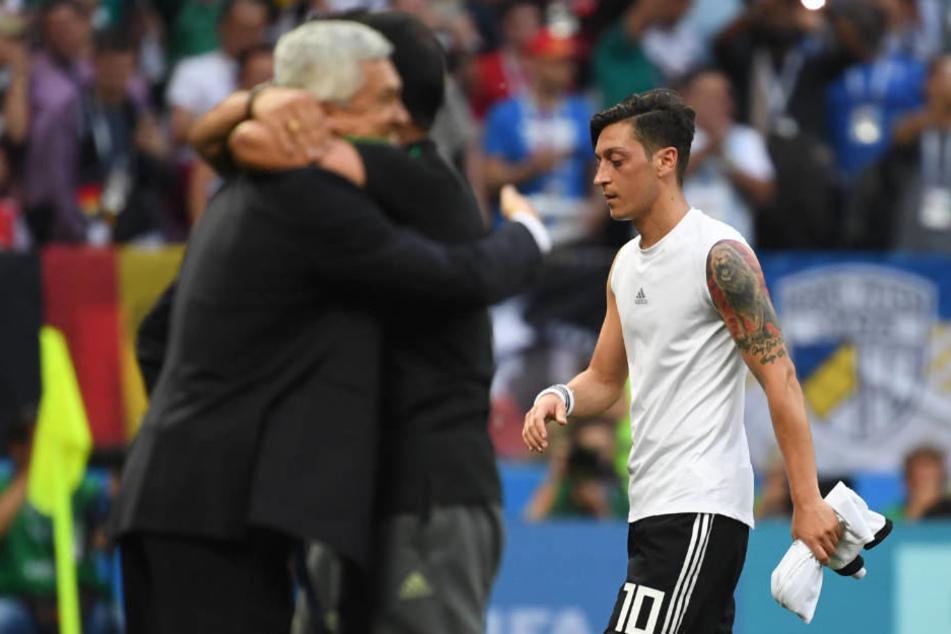 Ein enttäuschter Mesut Özil nach der Auftaktniederlage gegen Mexiko bei der Fußball-WM in Russland.