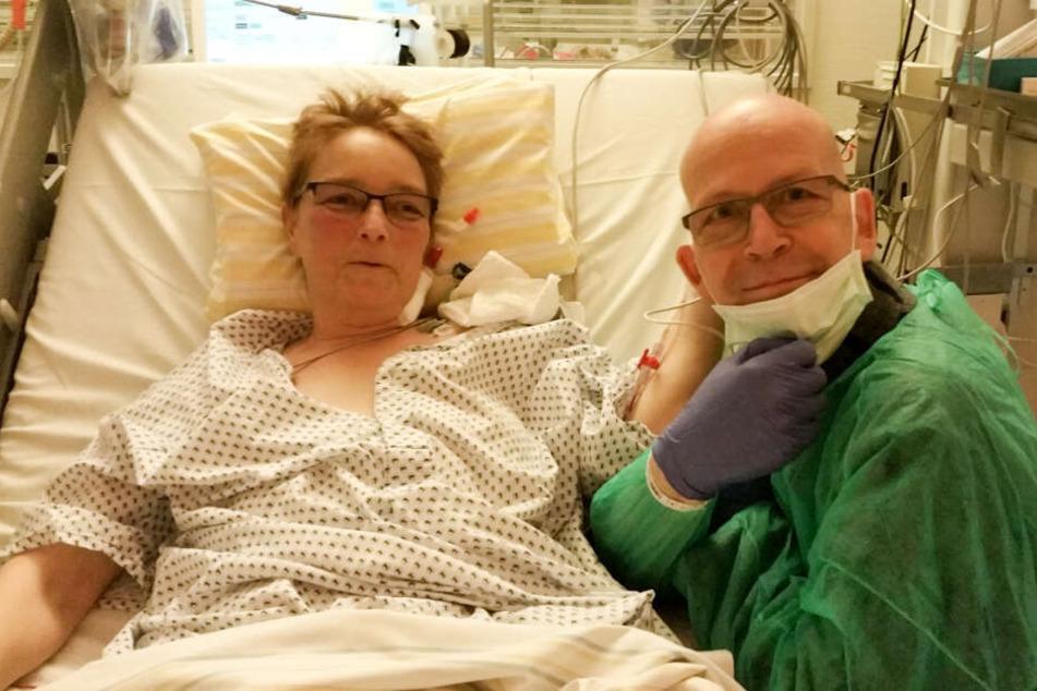 Nach der OP waren beide Ehepartner wohlauf - und sichtlich erleichtert.