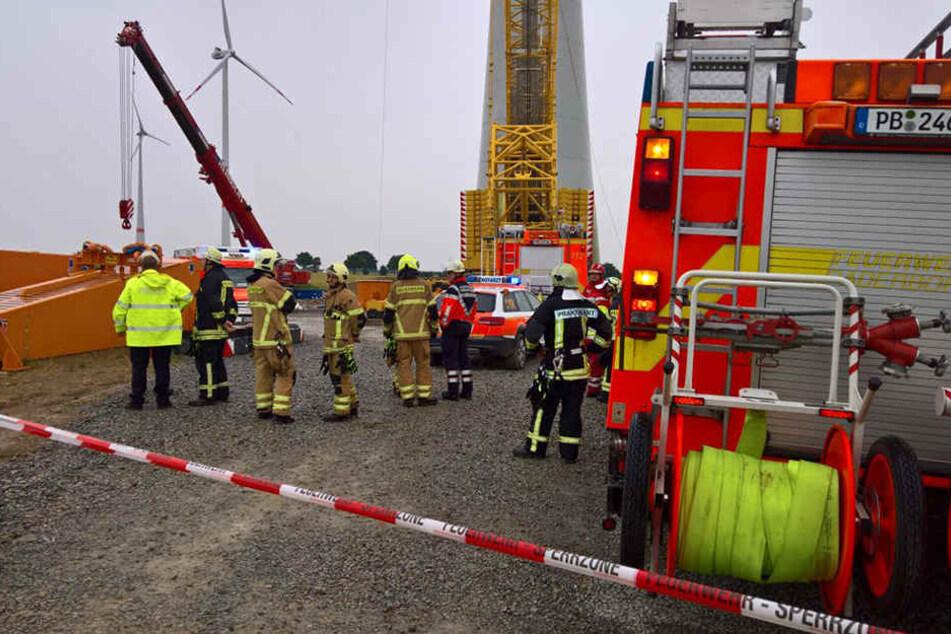 Schwerer Unfall in 135 Meter Höhe: Mann wird in Windrad eingeklemmt