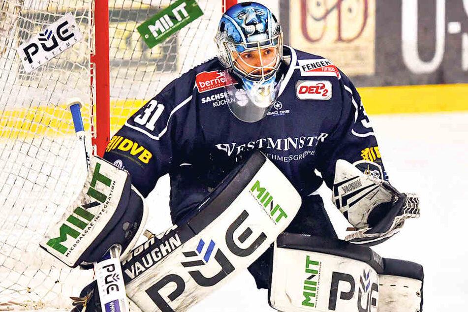 Marco Eisenhut steht auch in der kommenden Saison im Eislöwen-Kasten.