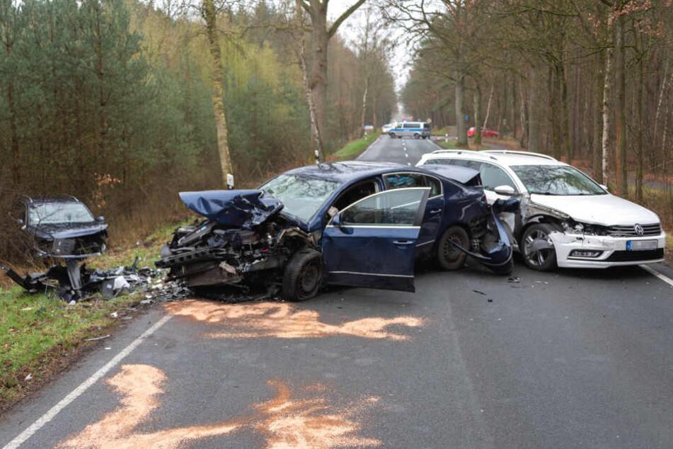 Drei Fahrzeuge waren an dem Unfall auf der L234 beteiligt.