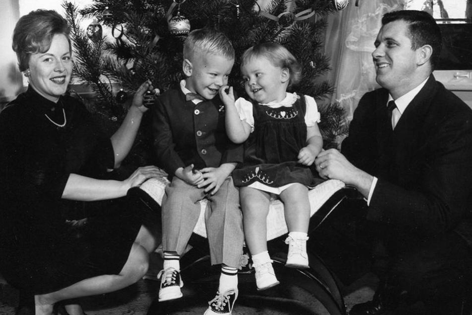 Notlagie pur! Auch bei Weihnachtskarten sind Motive und Impressionen der 50er dieses Jahr auf dem Vormarsch.