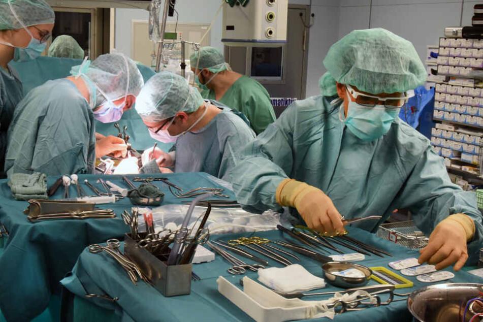 Im Transplantationszentrum in Leipzig wurden in den letzten 25 Jahren 1007 Nieren und 1043 Lebern transplantiert.