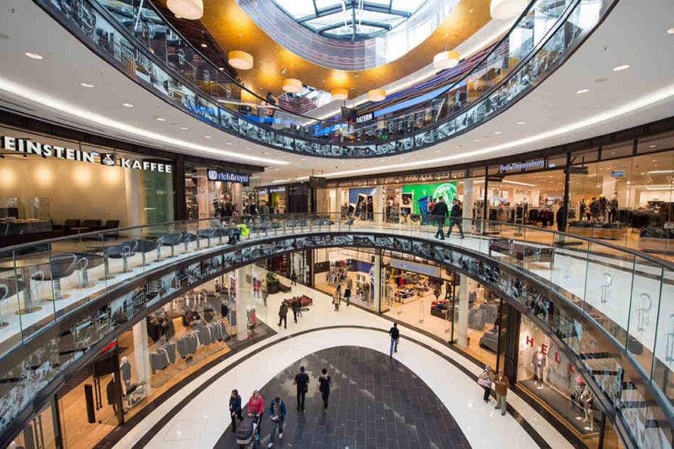 """Die schicke """"Mall of Berlin"""" ist täglich Treffpunkt für tausende Menschen aus aller Welt. (Symbolbild)"""