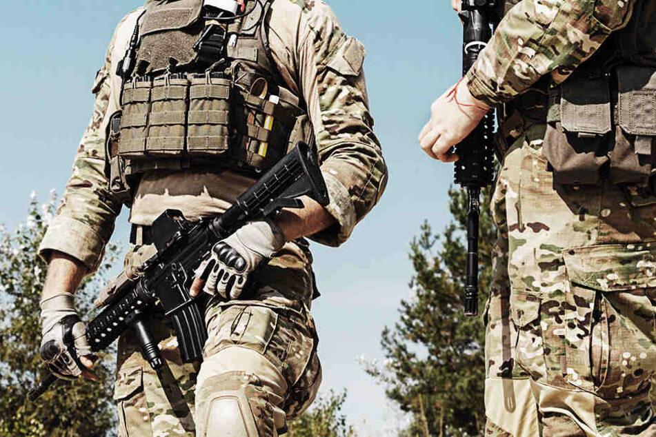 Geiselnahme endet blutig: Zwei Soldaten sterben bei Einsatz!