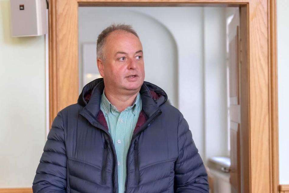 Mirko Ernst (49, FDP) versuchte schon mehrfach gerichtlich gegen Spaßvogel Jochen Nöske vorzugehen.