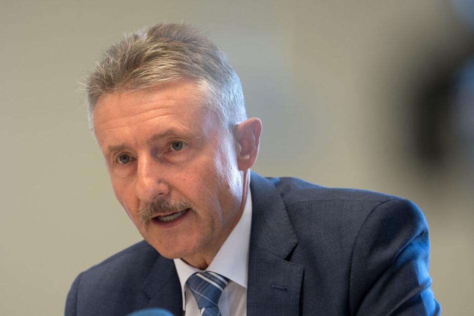 Brandenburgs Innenminister Karl-Heinz Schröter.