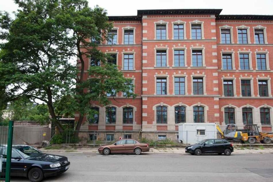 Die Sanierung der Agnesschule soll im Herbst beendet sein.