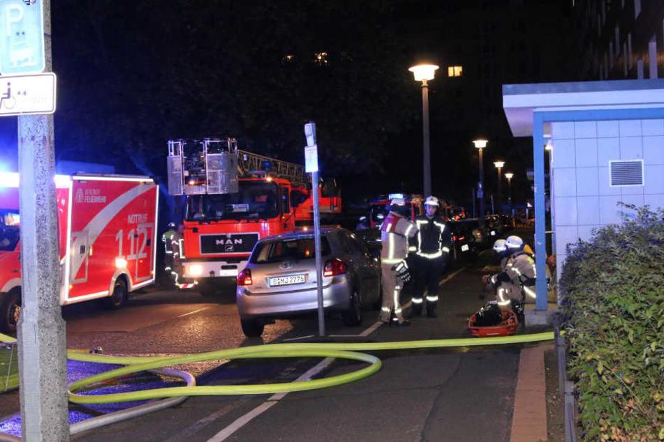 In einer Wohnung in Lichtenberg ist in der Nacht zu Samstag ein Feuer ausgebrochen.