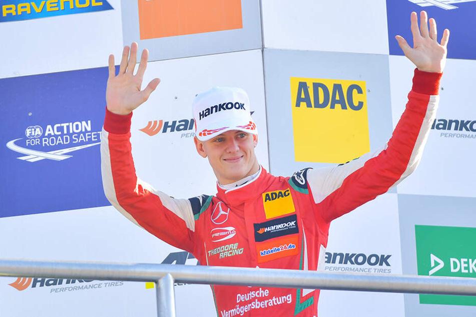Nach dem Gewinn der Formel-3-EM im vergangenen Jahr mit dem Prema-Team will Mick Schumacher (20) am kommenden Wochenende in Bahrain sein Debüt in der Formel 2 geben und damit den nächsten Schritt auf dem Weg in die Formel 1 machen.