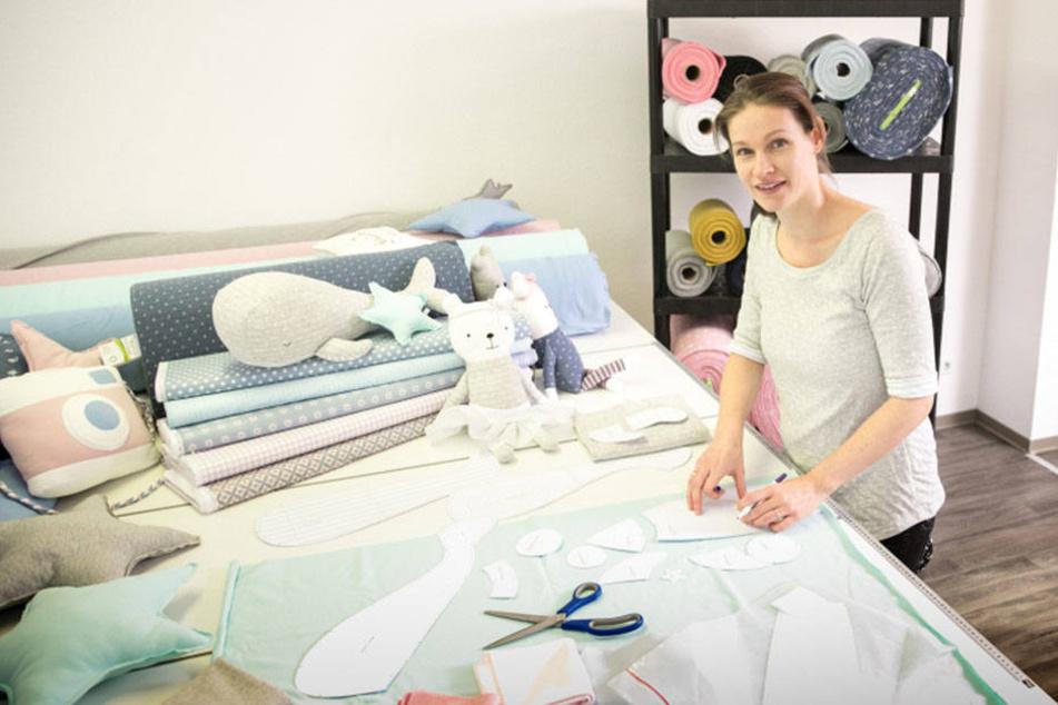 Julia Bauer hat ihren eigenen Shop für Stoffe und Schnittmuster gegründet.