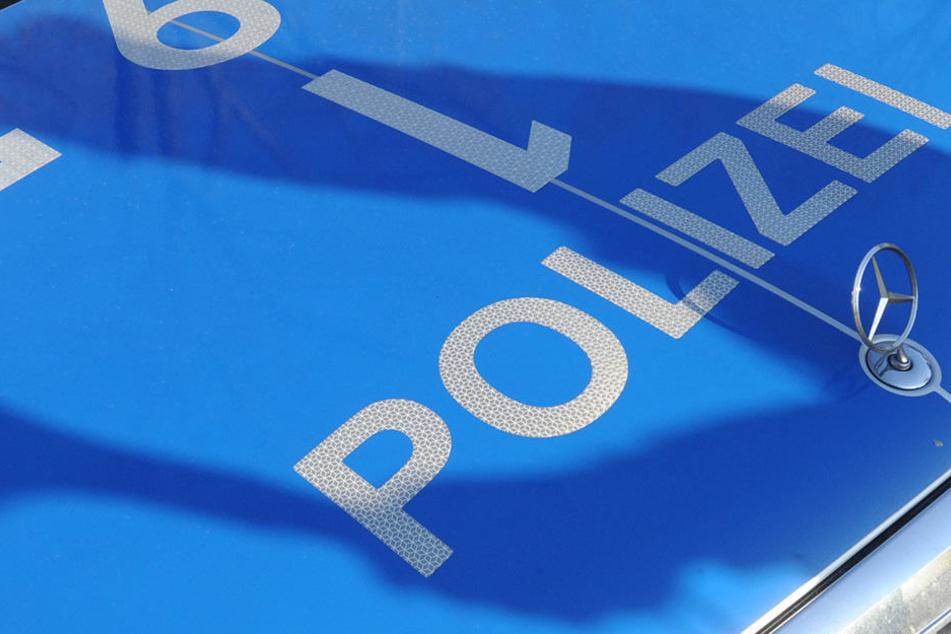 Die Polizei ermittelt derzeit zu den Umständen des Unfalls.