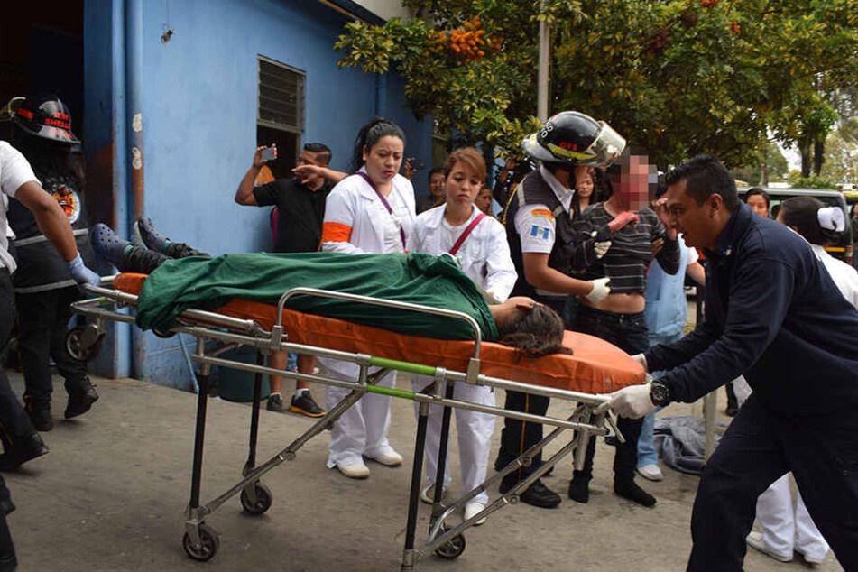 In Guatemala brannte ein Heim für Kinder und Jugendliche.