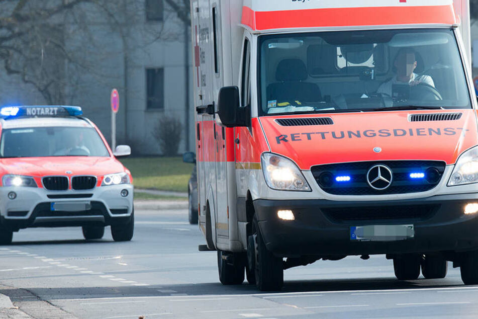 Der Motorradfahrer verletzte sich bei dem Unfall schwer und musste in ein Krankenhaus eingeliefert werden (Symbolbild).