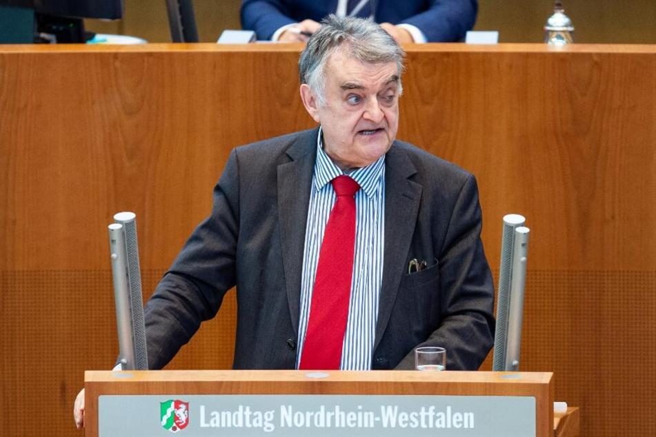 Innenminister Herbert Reul will Kindesmissbrauch in Zukunft stärker bekämpfen.