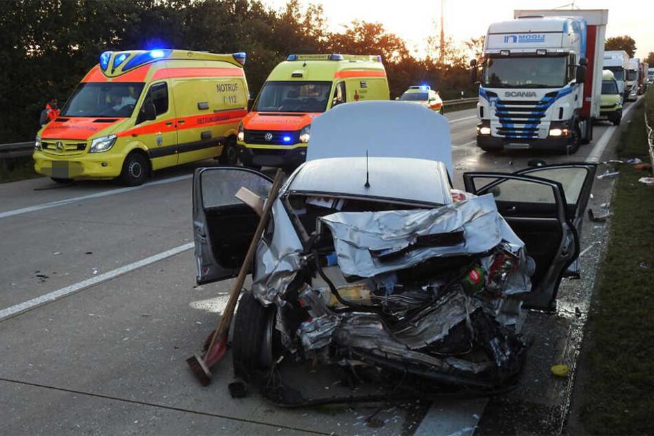 VW übersieht Opel auf A14: drei Schwerverletzte!