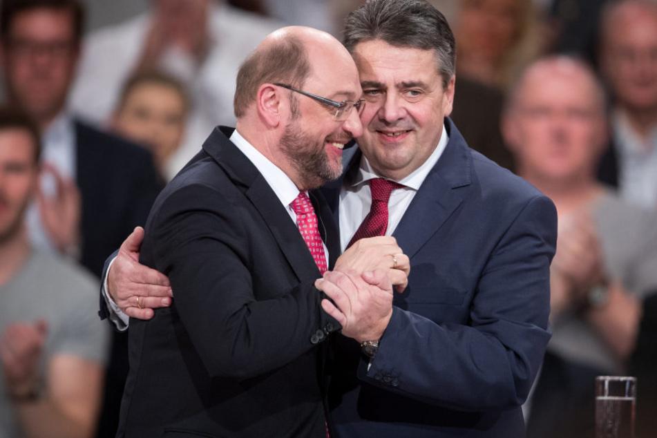 Schulz mit Sigmar Gabriel.
