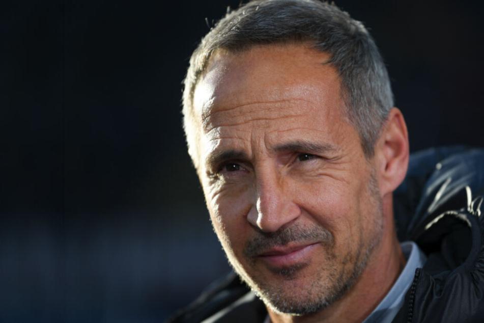 Der Eintracht-Trainer zeigt sich auf der Presse-Konferenz positiv gestimmt.