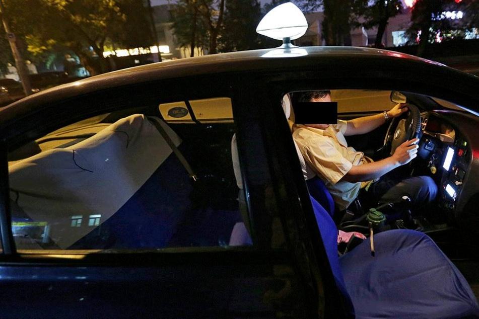 Wäre die 17-jährige bloß nie ins taxi gestiegen (Symbolbild).