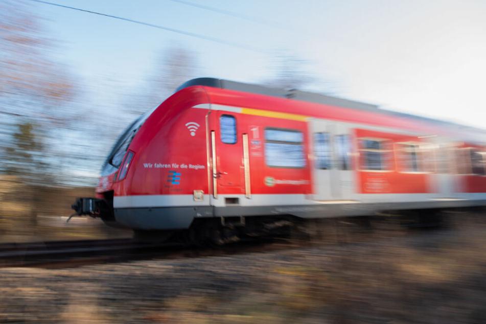 "Ein ""Skandal"": Deutsche Bahn legt wegen Krankheitsfall stundenlang Stellwerk still!"