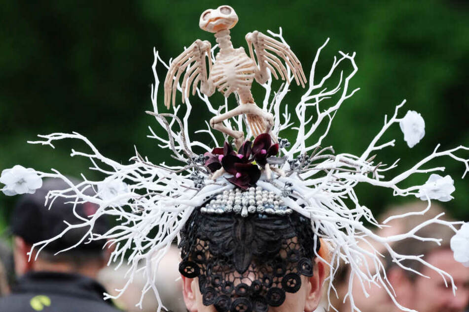 20.000 Besucher werden auch in diesem Jahr wieder mit ausgefallenen Kostümen die Blicke auf sich ziehen.