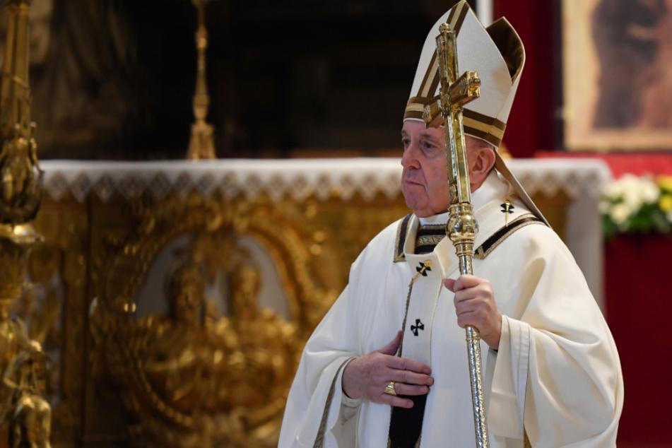 """Vatikan nicht erfreut: Papst Franziskus bezeichnete Alkohol als das """"wahre heilige Wasser"""""""