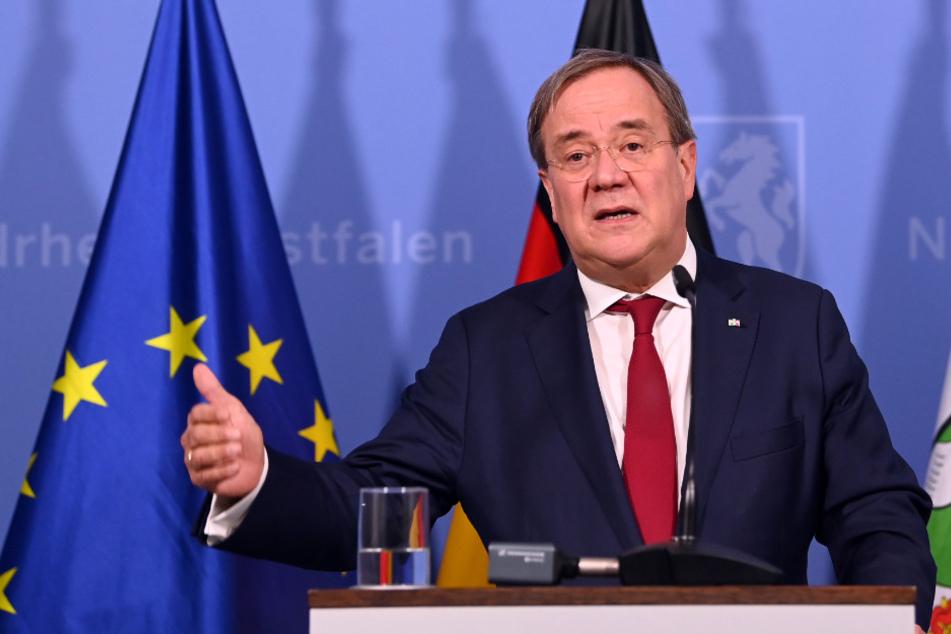 NRW-Ministerpräsident Armin Laschet hat den Präsenzunterricht in NRW verteidigt.